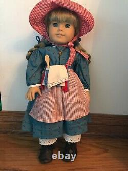 AMERICAN GIRL DOLL KIRSTEN RETIRED, ORIGINAL PLEASANT COMPANY EXCELLENT With Stand