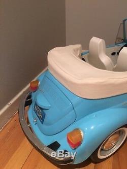 American Girl Julie's Car Wash Set 1974 Volkswagen VW Bug Retired