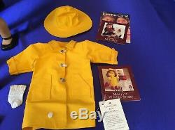 Pleasant Company American Girl Molly Doll in box + Winter Story Raincoat Outfit
