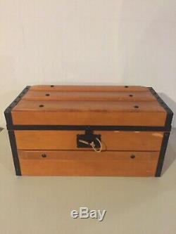 Pleasant Company Collectors American Girl Addy Wood Trunk Retired DISCONTINUED