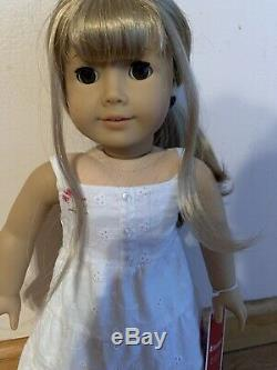 Retired American Girl Doll Girl of the Year Gwen with Box Blonde Hair, Brown Eyes