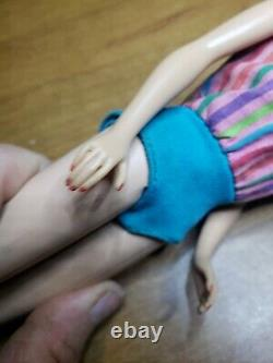 VINTAGE BLONDE AMERICAN GIRL BARBIE ORIGINAL SWIMSUIT BENDABLE LEGS 3 Click Pose