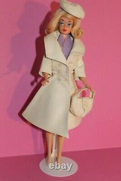 Vintage Barbie Bendleg Barbie & #1661 London Tour & Lunchon Terrace #1649 60er